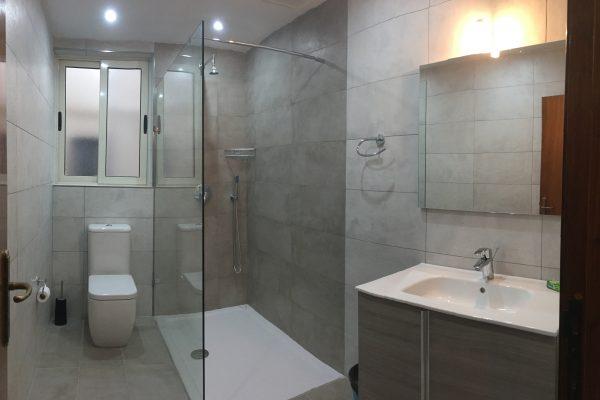 Xlendi Heights Apartment - Bathroom