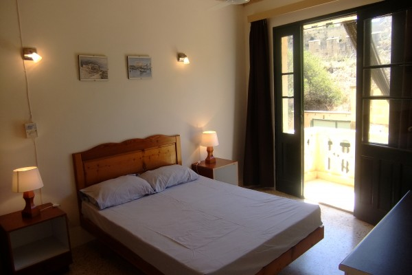 Xlendi Heights Apartments double room