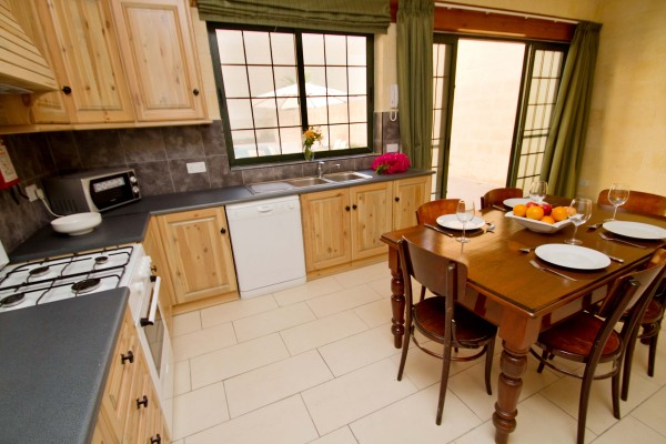 Casa Sammy Farmhouse Gozo kitchen and dining room