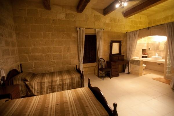 Twin Room with ensuite Tilmun Farmhouse Gozo Malta