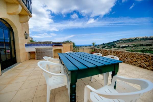 Ta' Tonina Farmhouse outdoor dining area - Gozo, Malta