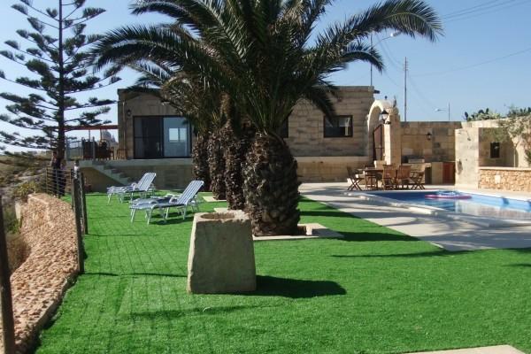 Villa Veduta pool area